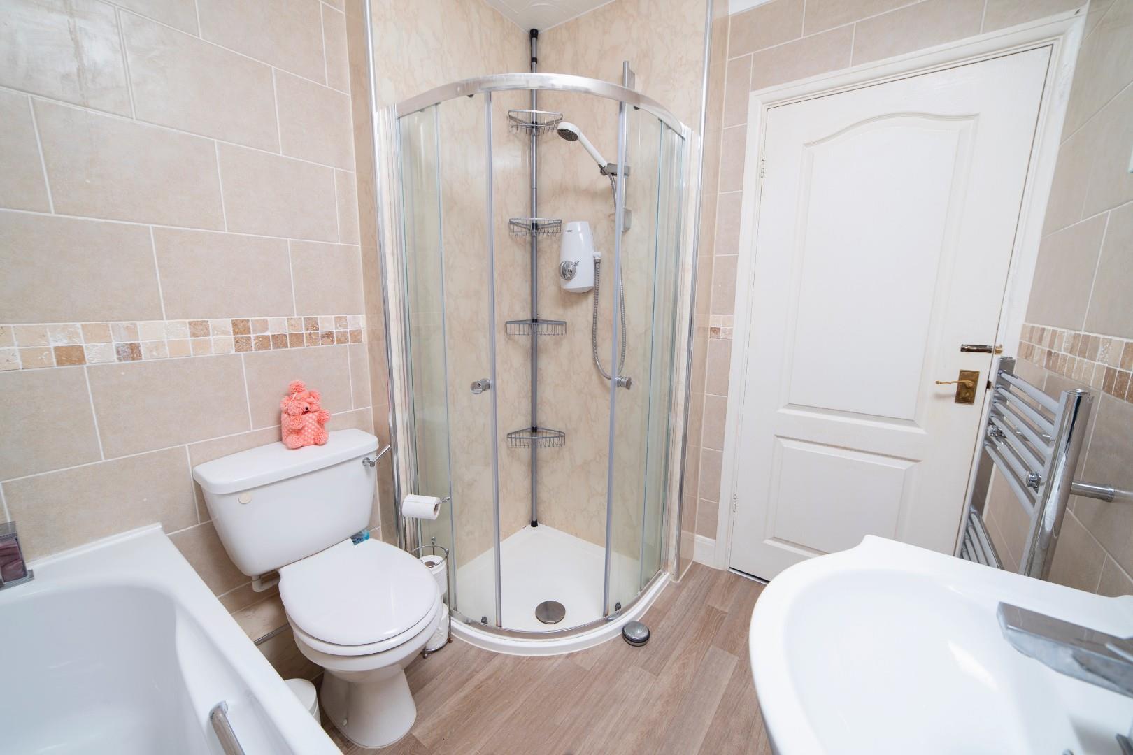8. Bathroom 2.jpg